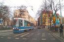 Czy tramwaj ma pierwszeństwo na przejściu dla pieszych?