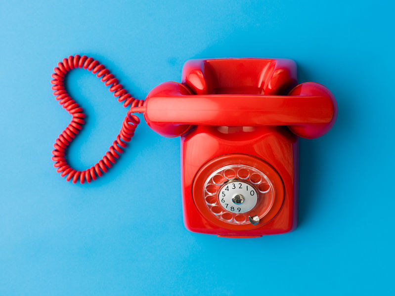 Czy w dobie telefonii mobilnej na rynku jest jeszcze miejsce dla telefonów stacjonarnych? /123RF/PICSEL