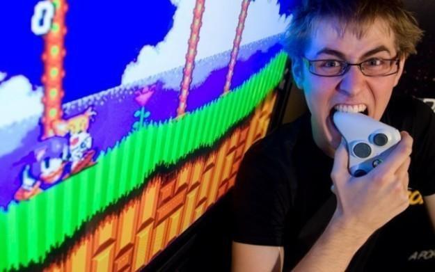 Czy w dzisiejszych czasach nawet Sonic może wpłynąć na psychikę gracza? /Informacja prasowa