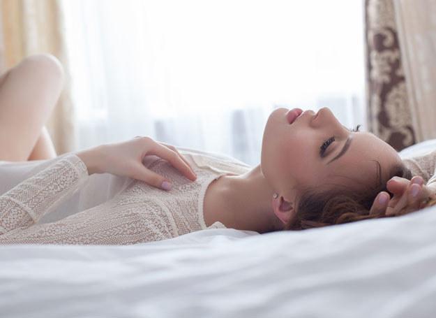Czy wiesz, że sen znakomicie wpływa na cerę? /123RF/PICSEL