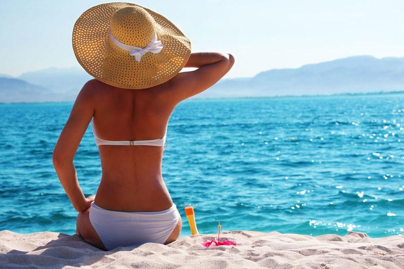 Czy wiesz, że wodoodporne kosmetyki z filtrem już po 20 minutach kąpieli zaczynają tracic swoją siłę ochronną? /123RF/PICSEL