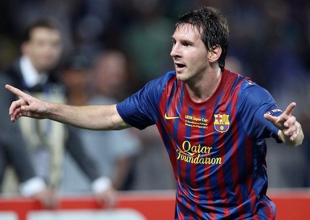 Czy z koszulek piłkarzy Barcelony zniknie logo sponsora? /AFP