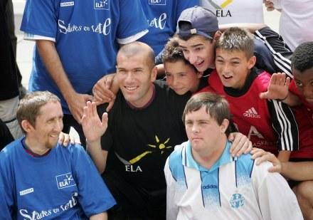 Czy Zinedine Zidane przyjedzie do Krakowa? /AFP