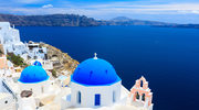 Czym kusi Santorini?