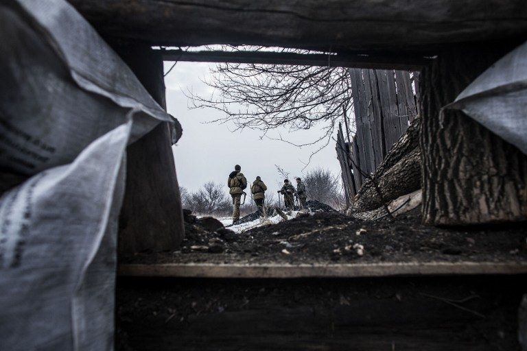 Czyżow o eskalację walk na wschodniej Ukrainie oskarżył władze w Kijowie, na zdj. prorosyjscy żołnierze w Debalcewie w obwodzie donieckim, fot. z 29.01.2015 /AFP