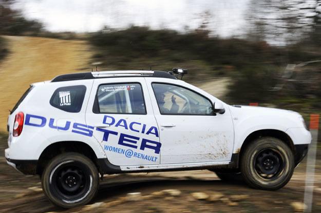 Dacia duster podczas rajdu  Aicha des Gazelles /