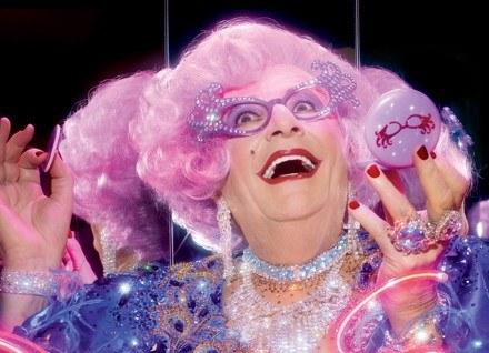 Dame Edna - muza MAC /materiały prasowe