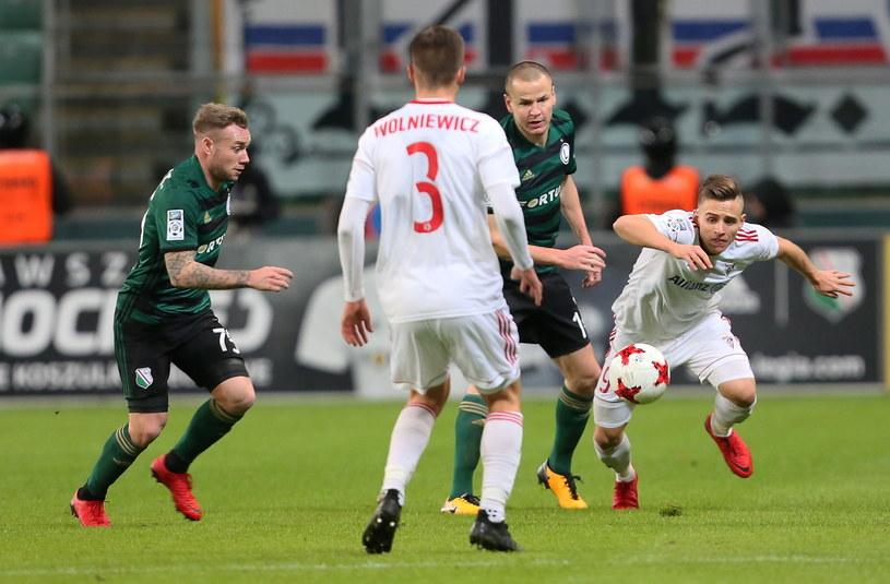 Damian Kądzior (z prawej) w meczu z Legią /Fot. Leszek Szymański /PAP