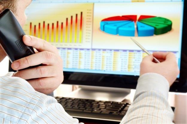 Dane firmowe powinny być bezpieczne w każdych warunkach pogodowych /©123RF/PICSEL