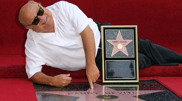 Danny DeVito i jego gwiazda / fot. Frederick M. Brown /Getty Images/Flash Press Media