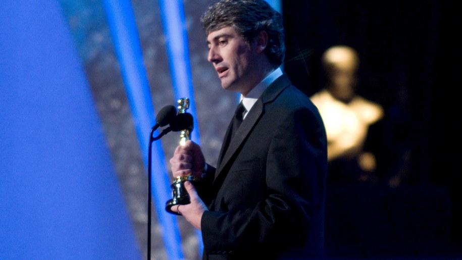Dario Marianelliego ze statuetką Oscara za najbardziej oryginalną muzykę, 2008 /GREG HARBAUGH /PAP