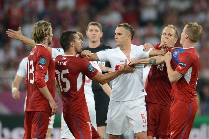 Dariusz Dudka w akcji podczas meczu Euro 2012 z Czechami /AFP