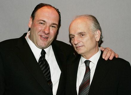 """David Chase z odtwórcą głównej roli w serialu """"Rodzina Soprano"""", Jamesem Gandolfini /Getty Images/Flash Press Media"""