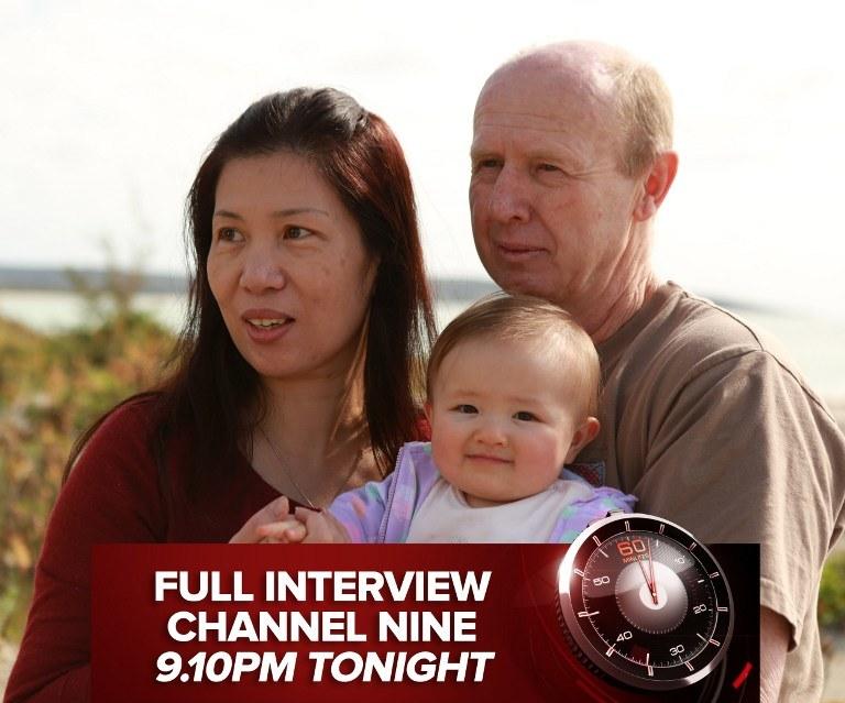 David Farnell z żoną i dzieckiem /AFP