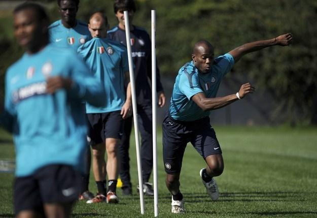 David Suazo (z prawej) ma szansę na transfer do hiszpańskiej Primera Division /AFP