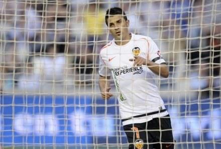 David Villa zrobi wszystko, byle wpaść w sidła Barcelony /AFP
