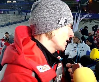 Dawid Kubacki szczęśliwy po złotym medalu drużyny w Lahti