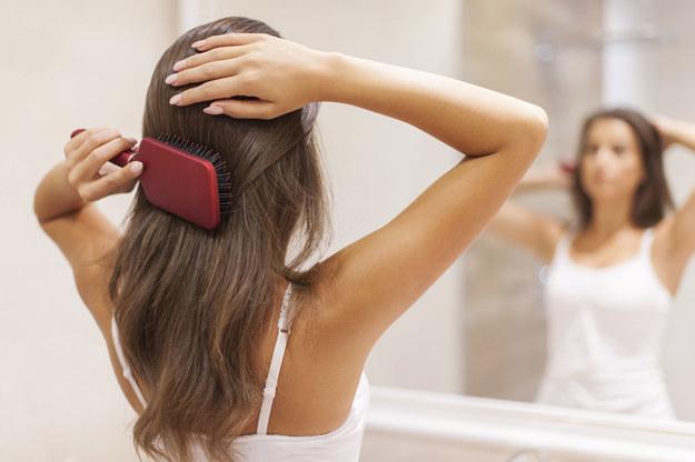 Dbaj o włosy najlepiej jak potrafisz /123/RF PICSEL