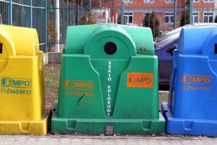 Dbanie o środowisko rozpoczyna się od segregacji śmiwci/fot. W. Traczyk /Agencja SE/East News