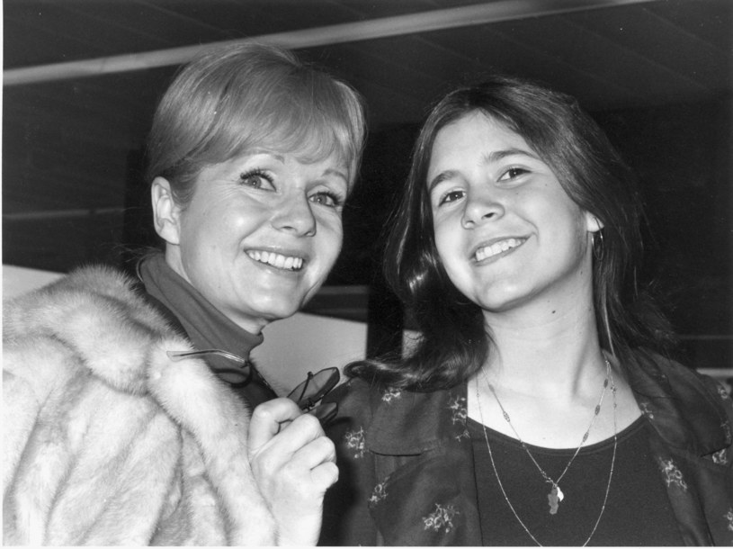 Debbie Reynolds z córką Carrie Fisher w 1972 roku /Hulton Archive / Stringer /Getty Images