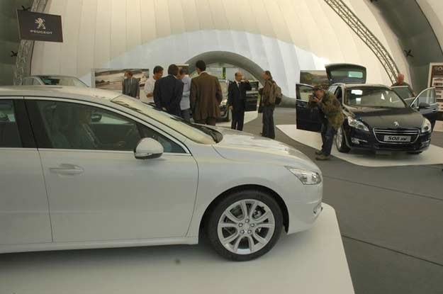 Debiut rynkowy, obu wersji nadwoziowych planowany jest na luty 2011 /INTERIA.PL