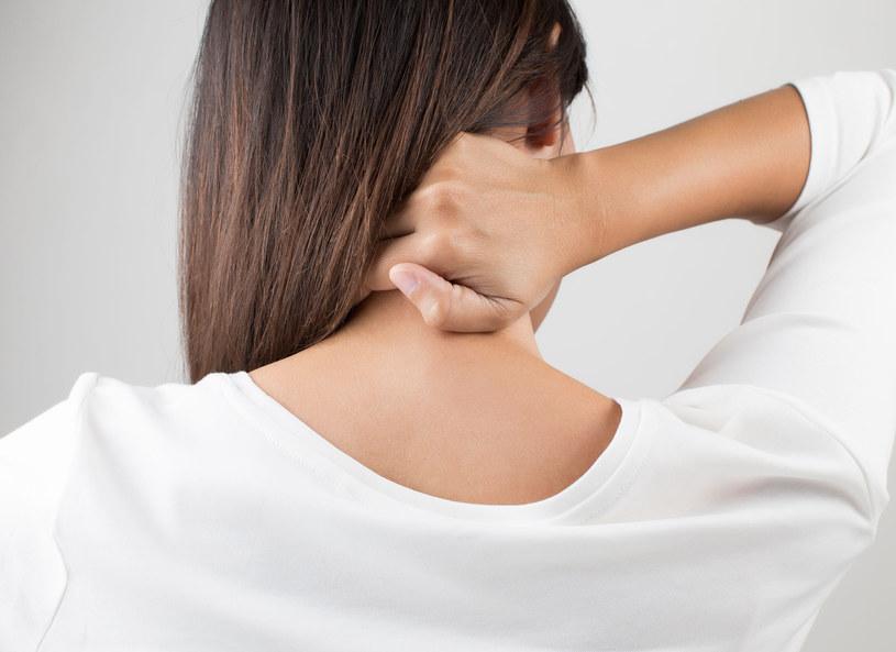 Delikatny masaż pozwoli rozluźnić mięśnie /123RF/PICSEL