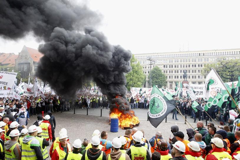 Demonstracja górniczych związków zawodowych w Katowicach /Andrzej Grygiel /PAP