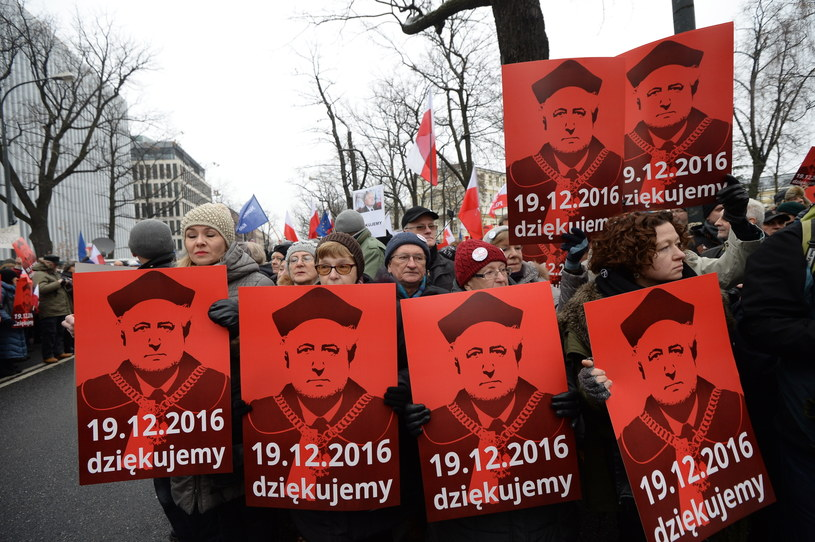 Demonstracja KOD pod TK /Marcin Obara /PAP