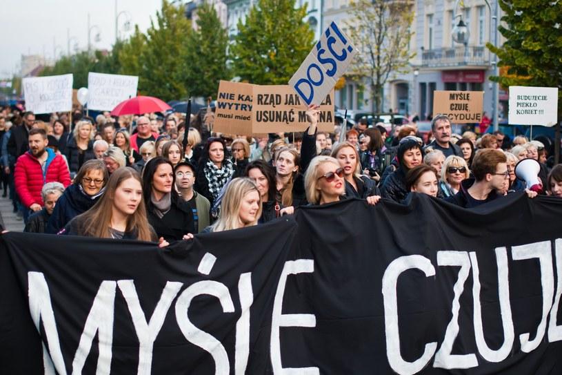 """Demonstracje poparcia dla władzy będą miały pierwszeństwo nad np. """"czarnym protestem"""" /Jaroslaw Respondek /Reporter"""