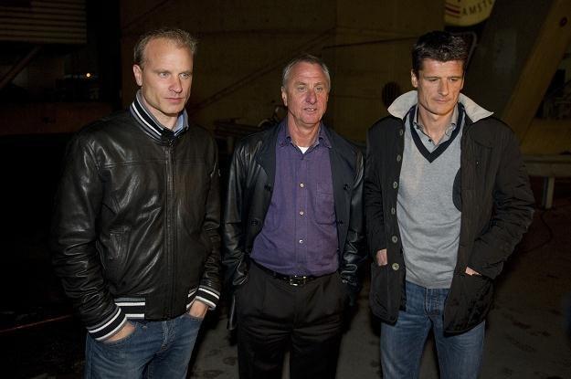 Dennis Bergkamp, Johan Cruyff, Wim Jonk - wodzowie rewolucji w Ajaksie /AFP