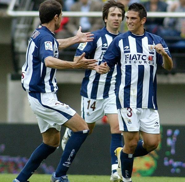Dennis Gonzalez, Gaizka Garitano i Aitor Lopez świętowali cenne zwycięstwo na Madrigal /AFP