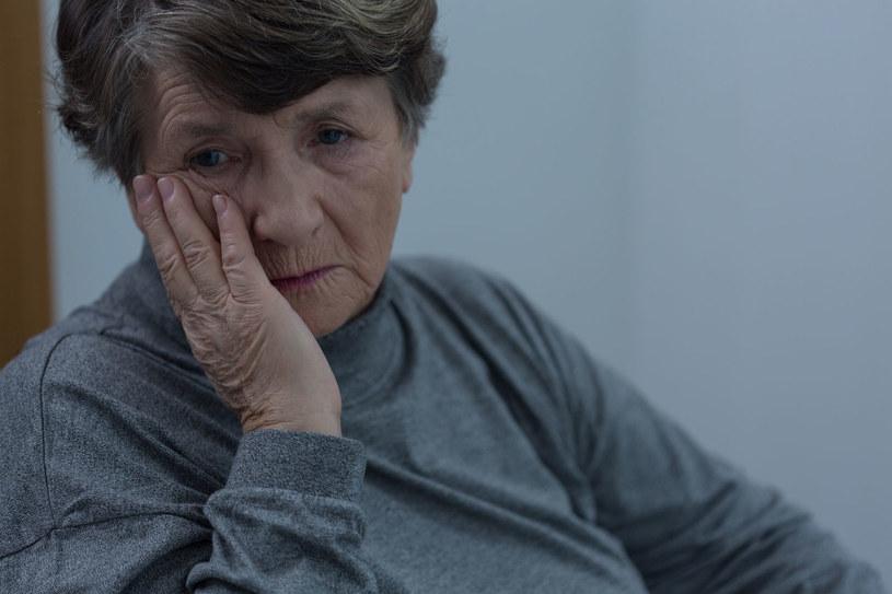 Depresja dotyka coraz więcej emerytów /©123RF/PICSEL