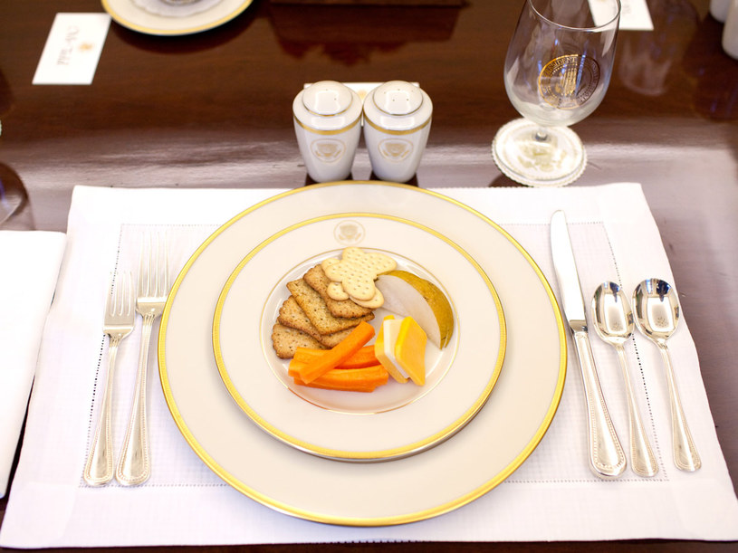 Deser z bitą śmietaną może mieć tyle kalorii, co... obiad.  /Getty Images/Flash Press Media