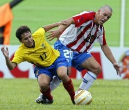 Diego Figueredo (z prawej) jest reprezentantem Paragwaju /AFP