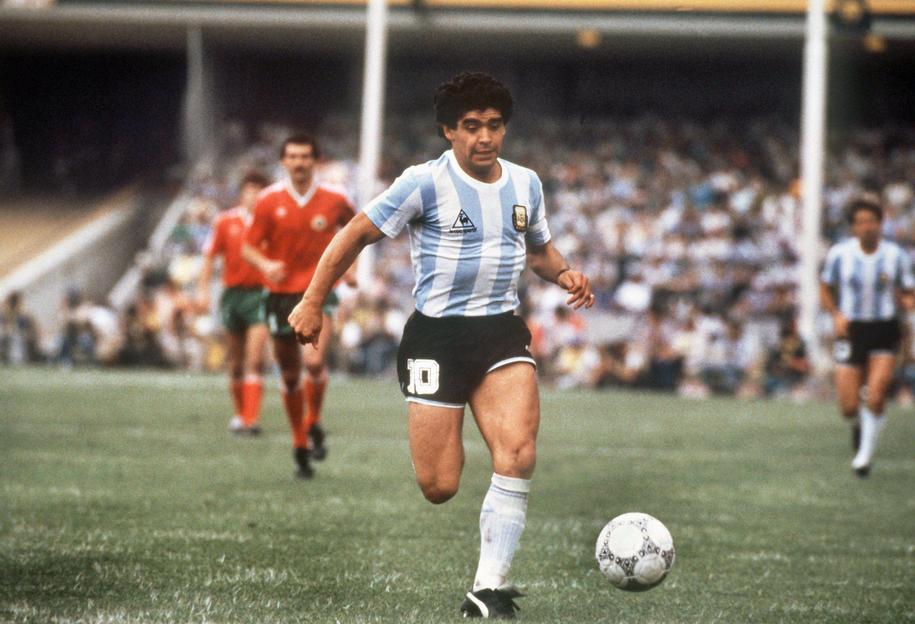 Diego Maradona podczas mundial w 1986 roku /DPA /PAP/EPA