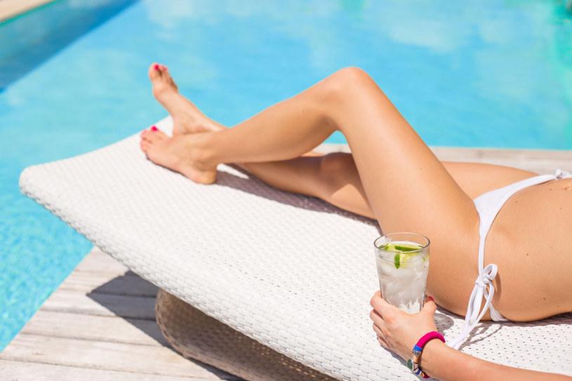 Dieta pomoże ci zachowac opaleniznę i utrzymać optymalne nawilżenie skóry. /123RF/PICSEL