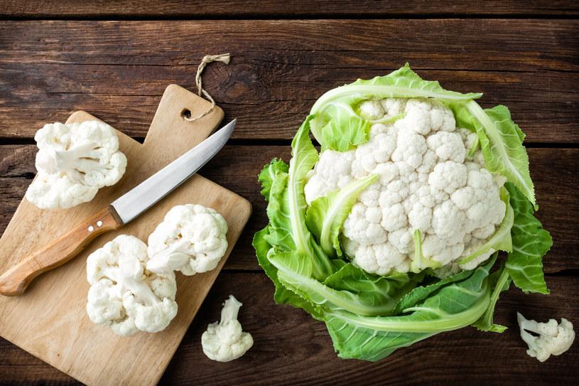 Dietetycy wskazują, że jedna porcja kalafiora pokrywa w 70 proc. dzienne zapotrzebowanie na witaminę C /123RF/PICSEL