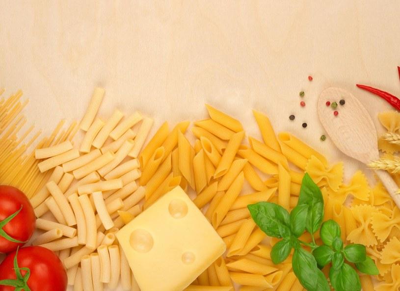 Dietetyk radzi, aby wybierać makarony pełnoziarniste /Picsel /123RF/PICSEL