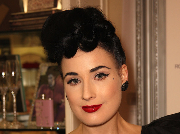 Dita von Teese chętnie stylizuje się na lat 50.   /Getty Images/Flash Press Media