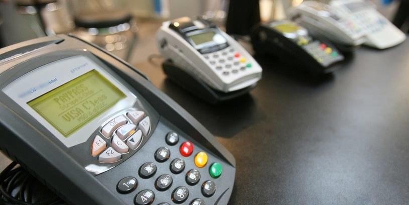Dla hakerów włamanie się do terminala płatniczego może być bardzo opłacalne /AFP