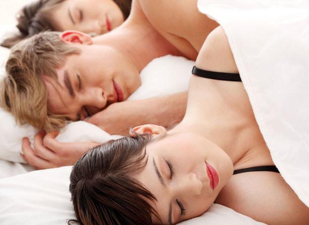 Dla niektórych osób biseksualizm kojarzy się wyłącznie z fantazjowaniem na temat seksu z osobą tej samej płci /©123RF/PICSEL