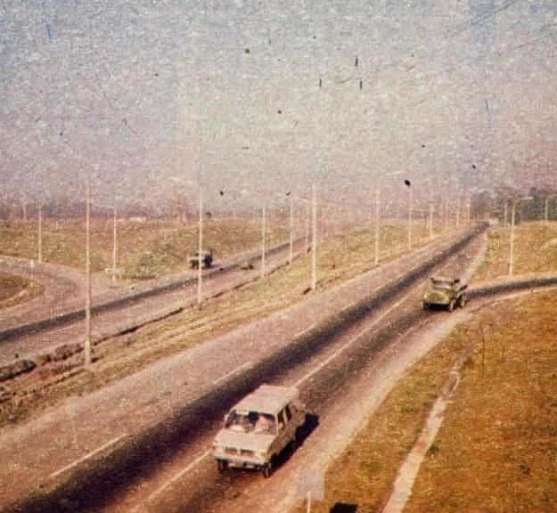 Dla potrzeb przemysłu zbudowano też obwodnice i drogę szybkiego ruchu do Katowic. /Motor