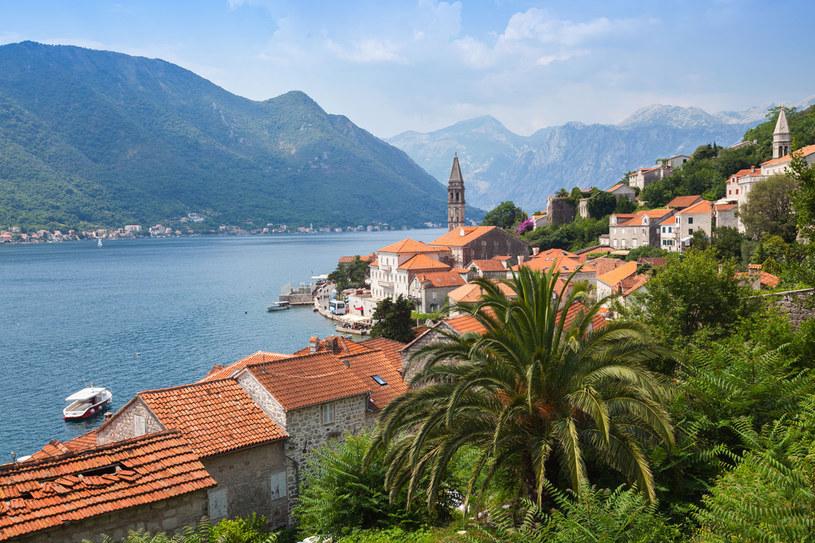 Dla wielu Czarnogóra jest nieodkrytym klejnotem. Ma sporo do zaoferowania: piękne wybrzeża a do tego ogromne doliny i płynące niespiesznie rzeki /©123RF/PICSEL