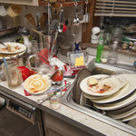Dlaczego dzieci wyrzucają jedzenie?