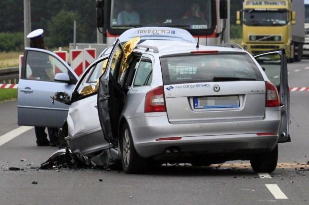 Dlaczego Polacy giną na drogach? /PAP