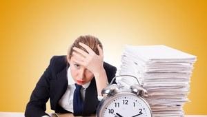 Dlaczego Polacy pracują coraz dłużej? Dla pieniędzy