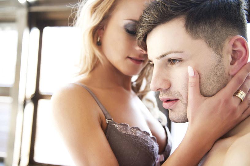 Dlaczego wstydzimy się rozmawiać o seksie? /©123RF/PICSEL