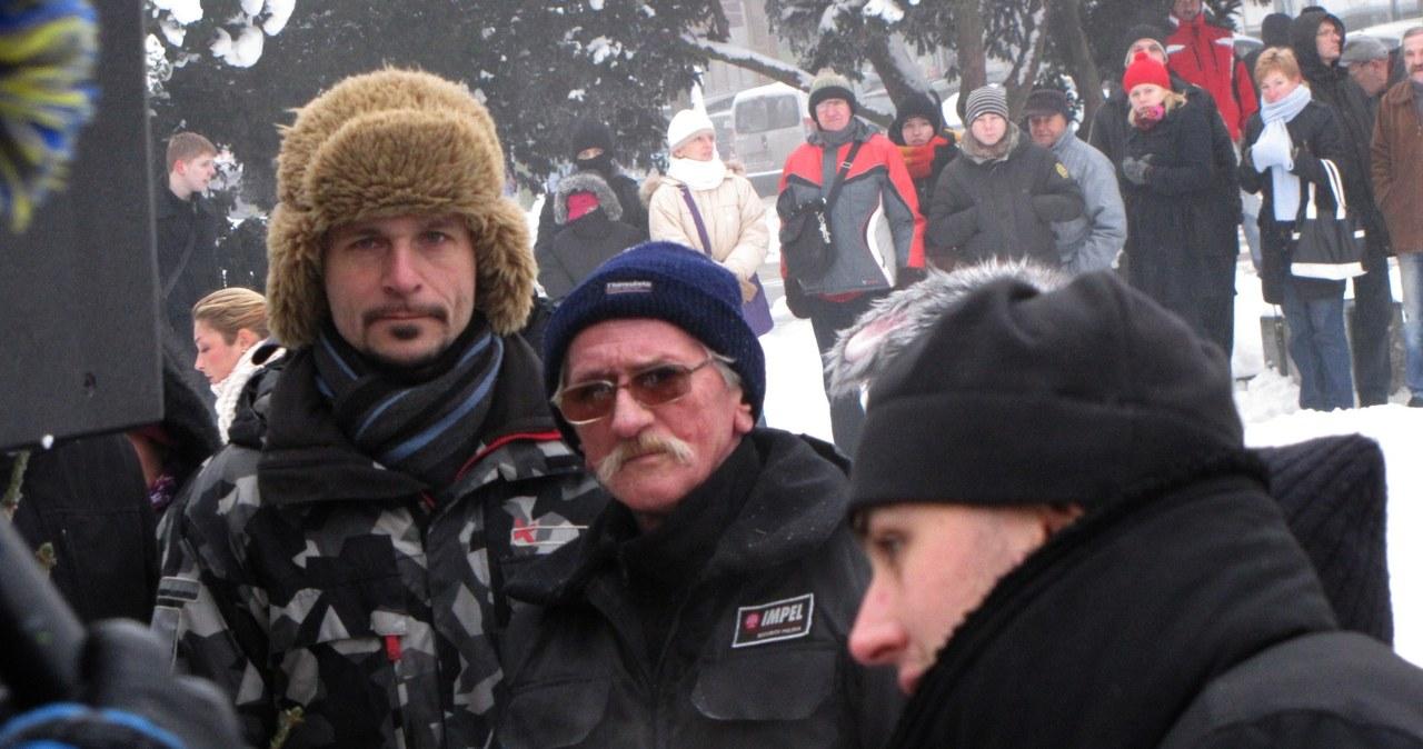 Długa kolejka po choinki od RMF FM w Szczecinie