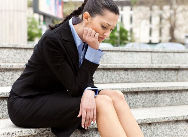 Długotrwałe poszukiwanie pracy może przygnębiać /123RF/PICSEL