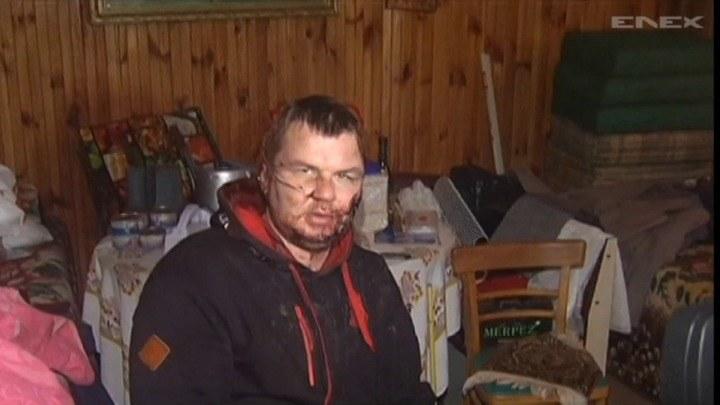 Dmytro Bułatow pojawił się w jednej z podkijowskich wsi. Na ciele ma ślady ciężkiego pobicia i tortur /TVN24/x-news